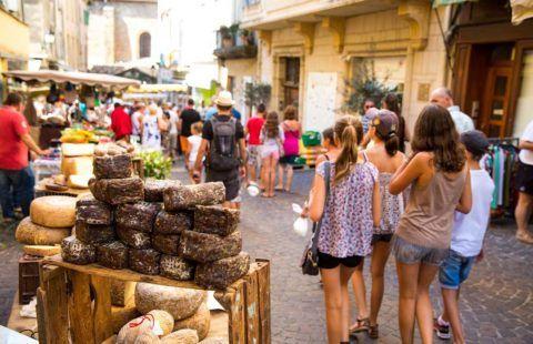 Markt van Aubenas